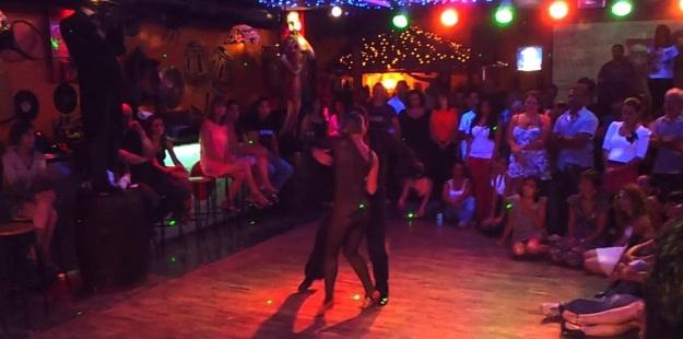 best-top-salsa-clubs-in-barcelona-agua-de-luna