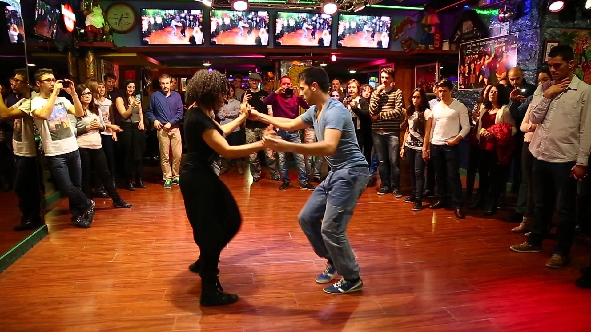 bailar salsa barcelona