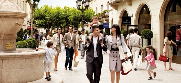 la roca village best shopping places spots in barcelona mall malls center top shop shops