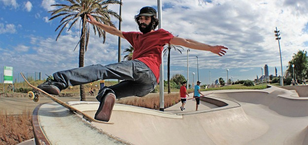 best top places spots for skate skating skateboarding in barcelona mar bella skatepark